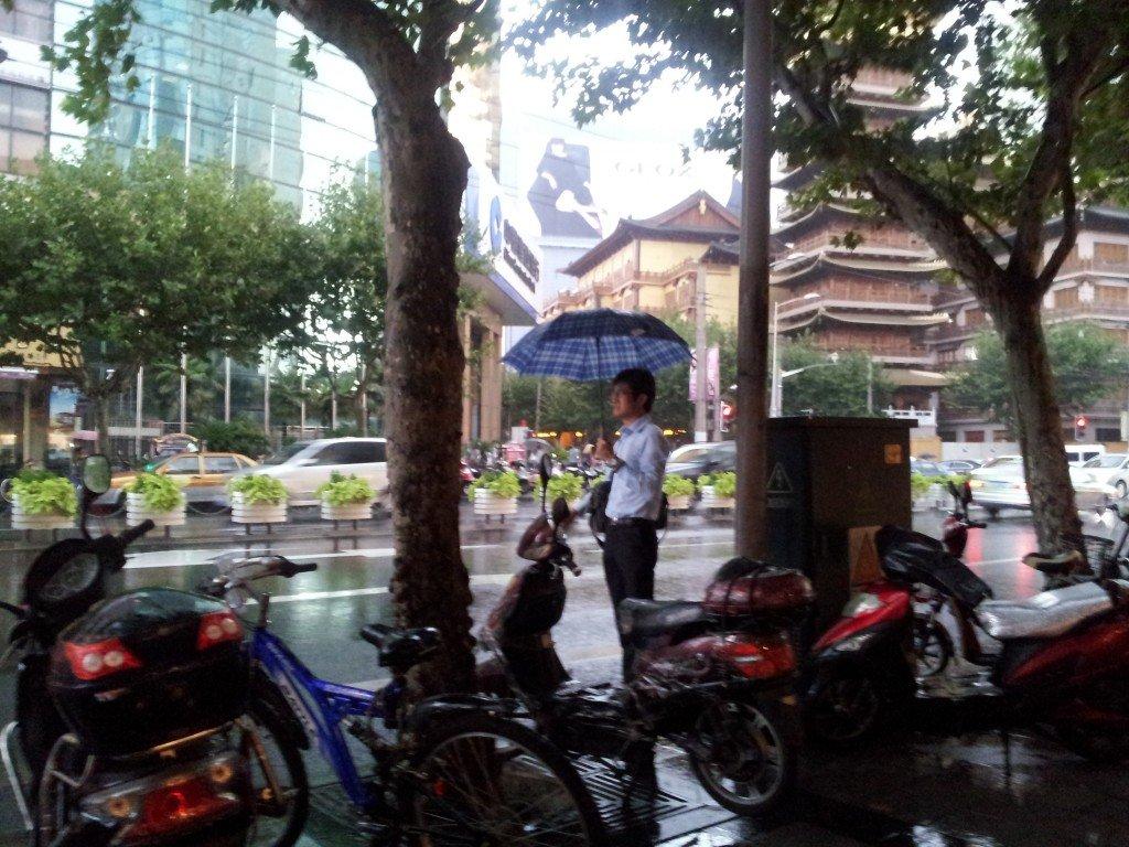 il pleut pr s de chez moi jing an temple julietteshanghai. Black Bedroom Furniture Sets. Home Design Ideas